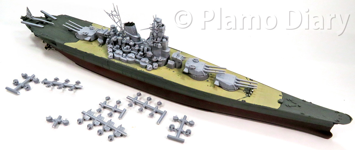 砲塔、機関砲の組み立て
