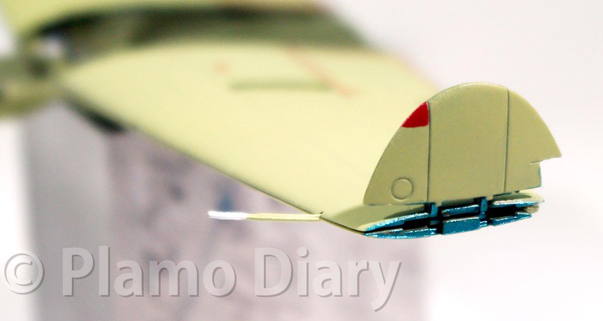 翼端断面の塗装